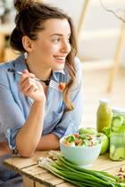 Ausgewogenes Essen ist besonders bei großer Hitze wichtig für den Körper.