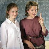In Kalobeyei besucht Elisabeth mit ihrer Mama eine Grundschule.
