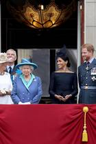 Prinz Charles, Herzogin Camilla, Prinz Andrew, Queen Elizabeth, Herzogin Meghan, Prinz Harry, Prinz William und Herzogin Catherine