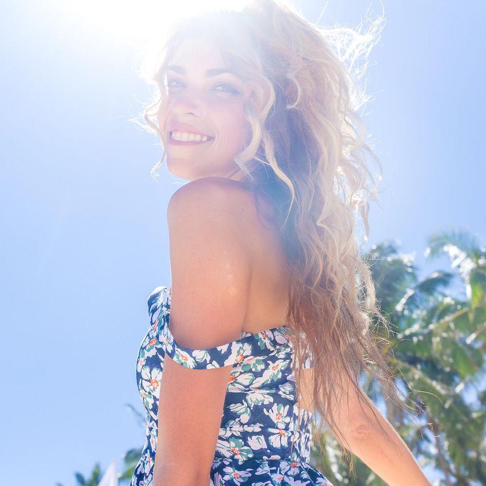 Sommermähne gefällig? Mit dem richtigen Sonnenschutz für die Haare ist das kein Problem