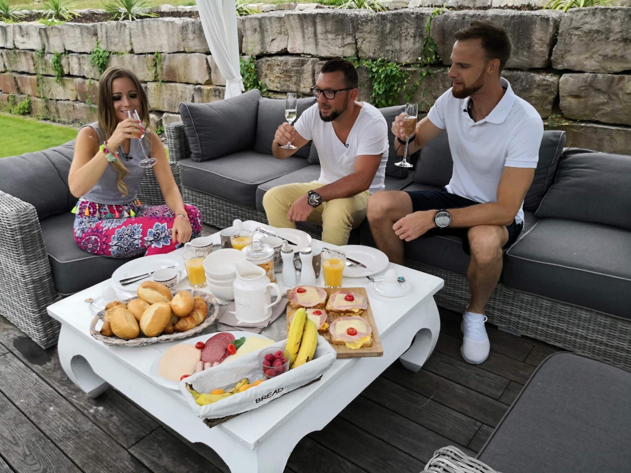 V.l.: Schlagersängerin Marry, Tino, Lars