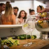Zum Essen darf der richtige Drink nicht fehlen. An der Bar wird für Erfrischung gesorgt.