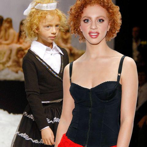 """Im Hintergrund: Anna Ermakova in 2007 bei der Show von Blumarine; im Vordergrund: Anna Ermakova bei der """"Palmolive Model Night"""" am 17. Juni 2019"""