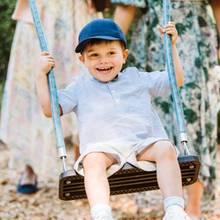 17. Juni 2019  Das Schaukeln macht dem Schweden-Prinzen nämlich genausoviel Spaß wie jedem anderen Kind und Junggebliebenen.