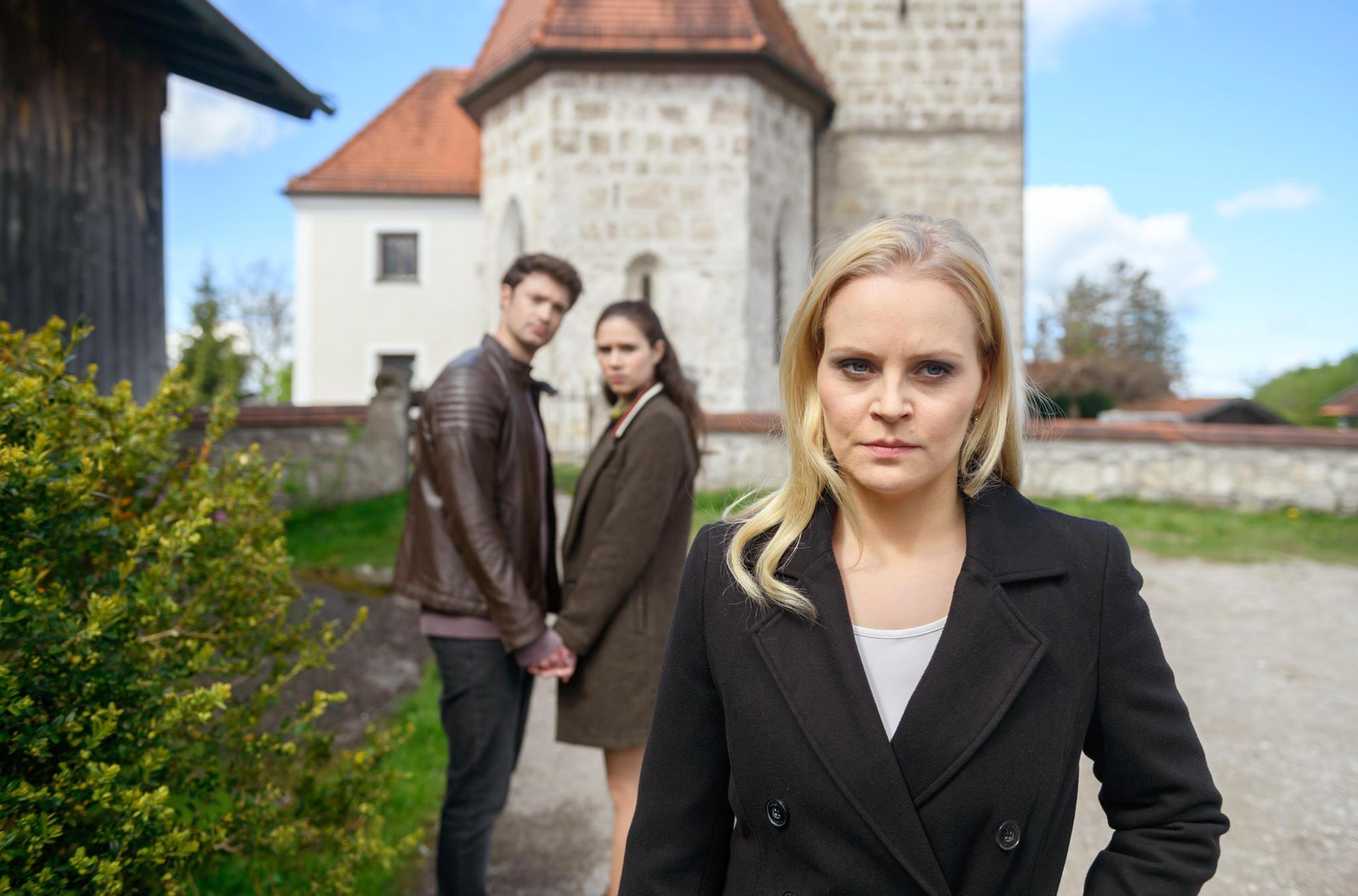 """""""Sturm der Liebe""""-Schauspieler Julian Schneider, Helen Barke und Jenny Löffler"""