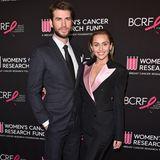 """Liam oder Miley - wemsteht ein Anzug besser? Wir können uns kaum entscheiden und loggen ein: """"beiden""""."""