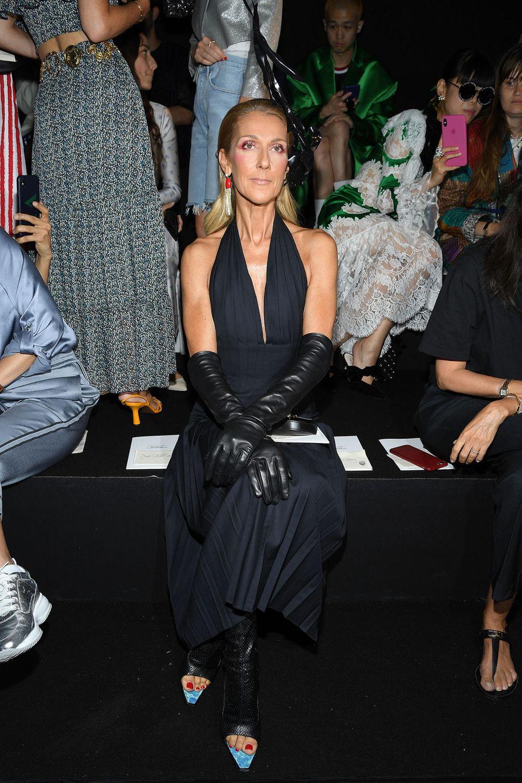 Fashion-Liebhaberin Céline Dion ist Front-Row-Gast bei Schiaparelli.