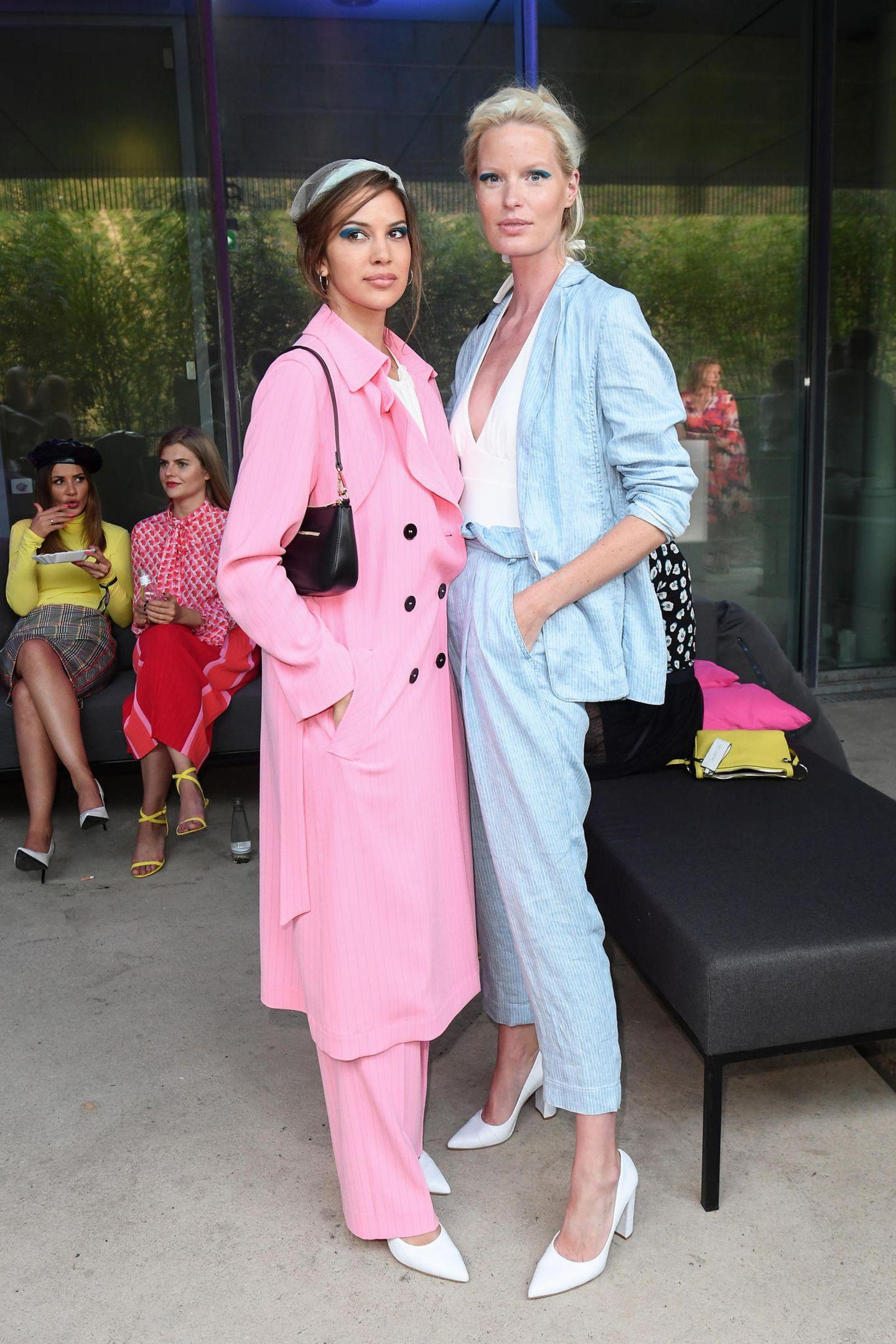 """Das amerikanische Model Kenya Kinski Jones, Tochter von Natassja Kinski und Musiklegende Quincy Jones, und das schwedische Model Caroline Winberg laufen bei der Marc Cain Show als Star-Models. Die Show steht in dieser Saison unter dem Motto """"Colour in Motion""""."""