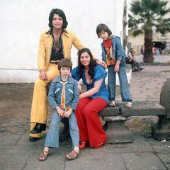 """Costa Cordalis (†): Mit seiner Ehefrau Ingrid hat der Schlagerstar drei Kinder: Lucas, Angeliki """"Kiki"""" und Eva Cordalis."""