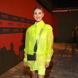 Im Neon-Look ist Stefanie Giesinger ein knalliger Hingucker.