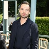Sebastian Stan lässt es sich nicht nehmen, Valentino einen Besuch abzustatten.