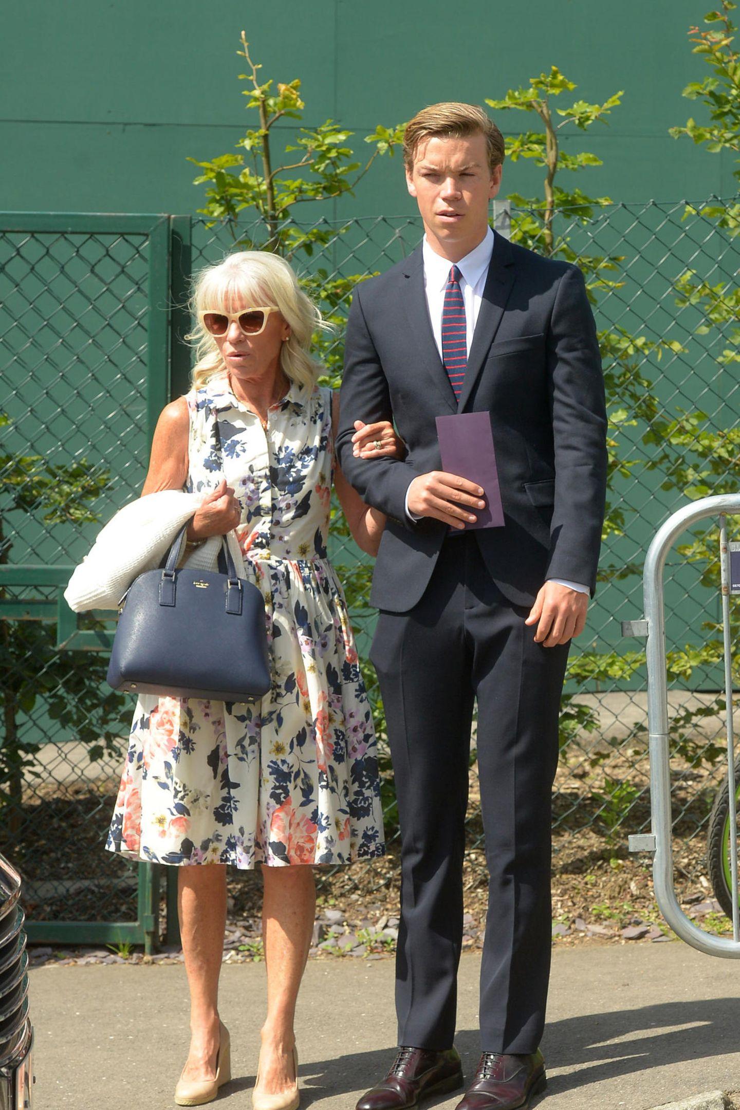 2. Juli 2019  Der britische Schauspieler Will Poulter besucht Wimbledon mit Mama Caroline.