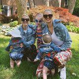 """Nur der """"Star Spangled Banner""""? Bei Kate Upton, einer Freundin und den drei Kids sind gleich die gesamten Outfits sternenbesetzt."""