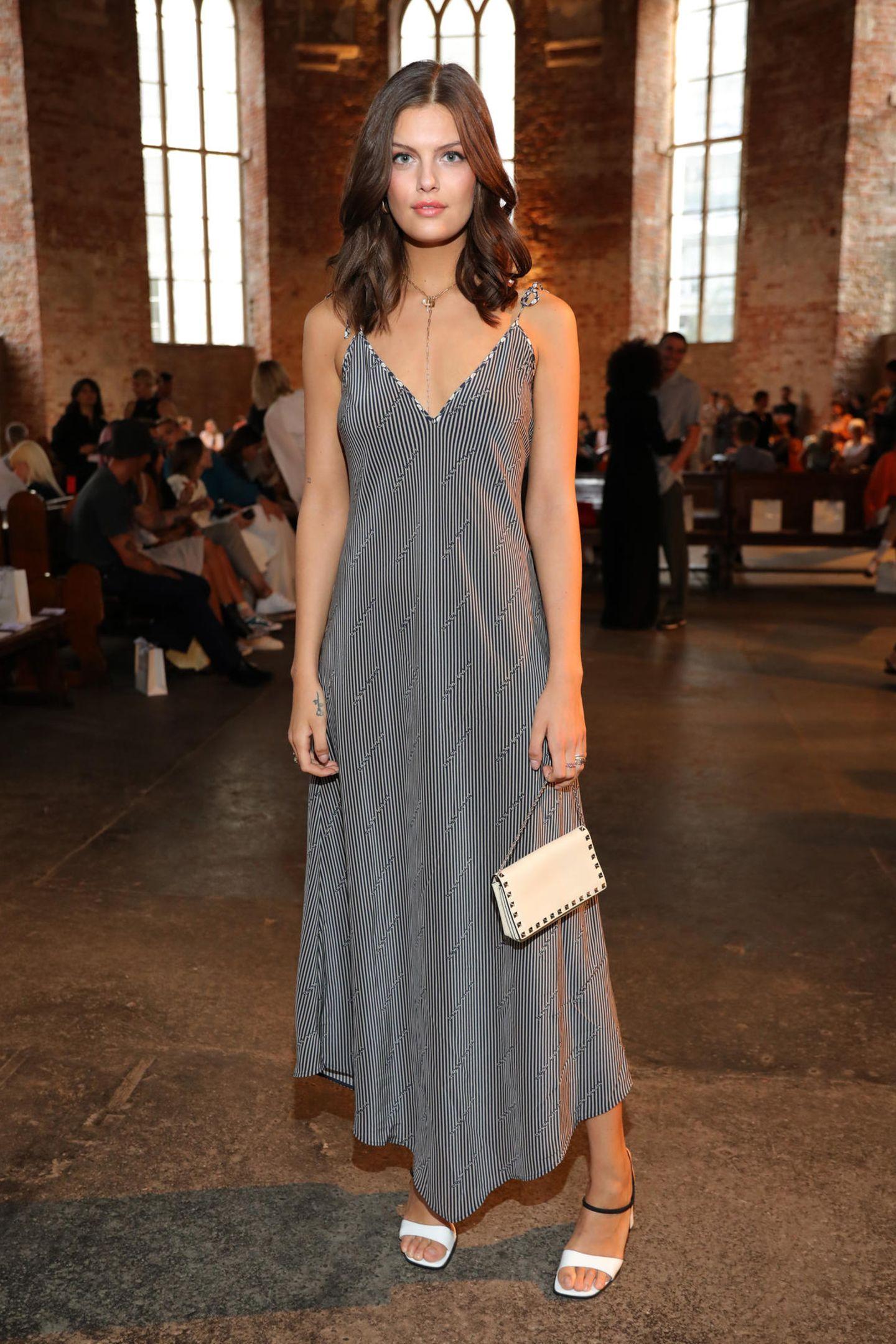 Vanessa Fuchs will die Fashion-Show von Nobi Talai in der ungewöhnlichen Location der Parochialkirche in Berlin-Mitte nicht verpassen.