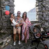 4. Juli 2019  Zuckersüße Familiengrüße: So glücklich sehen John Legend und Chrissy Teigen beim Spaziergang am Independence Day aus. Nur den Kids Luna und Miles scheint das perfekte Familienfoto herzlich egal zu sein.