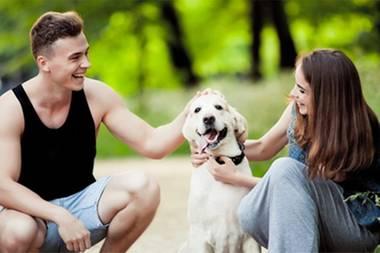 Flirten mit Hund: Mit diesem Trick gelingt es ganz einfach
