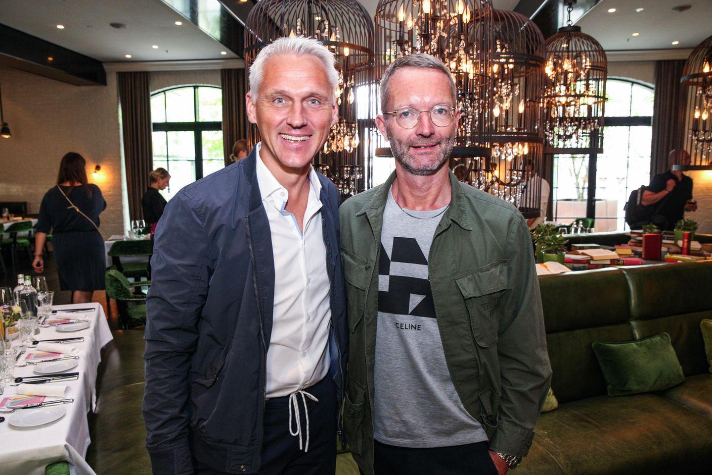"""Marc Freyberg von BRAX und Marcus Luft von GALA laden bereits zum fünften Mal zum beliebten """"Influencer Lunch""""."""