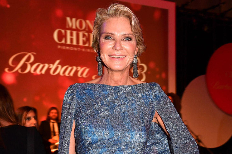 Stephanie Gräfin von Pfuel: Sie lächelt sich zurück ins
