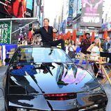 """9. Juli 2019  David Hasselhoff fährt mitK.I.T.T. bei """"Good Morning America""""vor und lässt sich von den Fans feiern."""