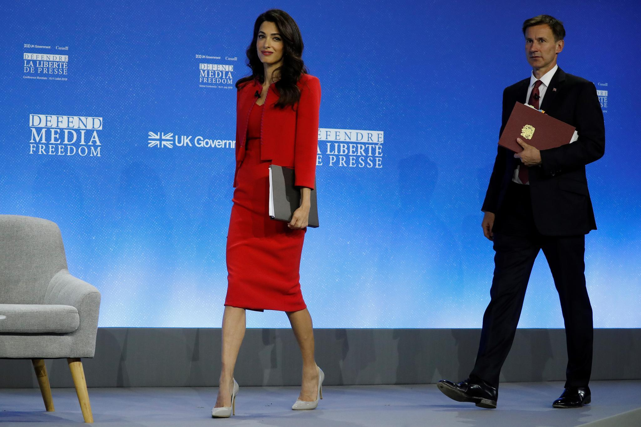 Fashion-Looks: Der Style von Amal Clooney | GALA de