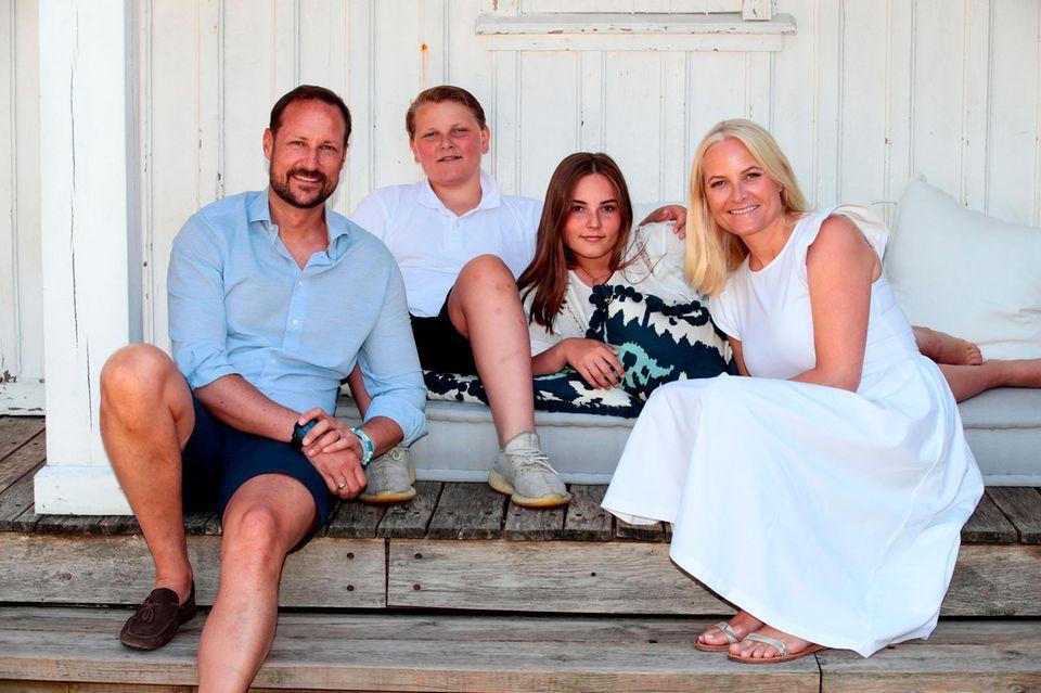 10. Juli 2019  Gerade erst hat die Familie ihren Urlaub in Spanien beendet, jetzt erholen sie sich in der Heimat.