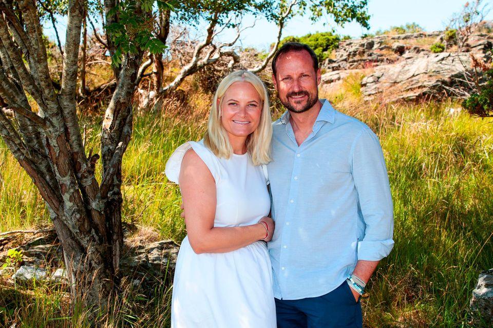 10. Juli 2019  Die Vogts Villa die Norwegens Thronfolgerpaar für sich und die Familie im Sommer mietet, ist ein wahres Urlaubsparadies. Hier können Prinzessin Mette-Marit und Prinz Haakon mit den Kindern herrlich abschalten und die Ruhe genießen.