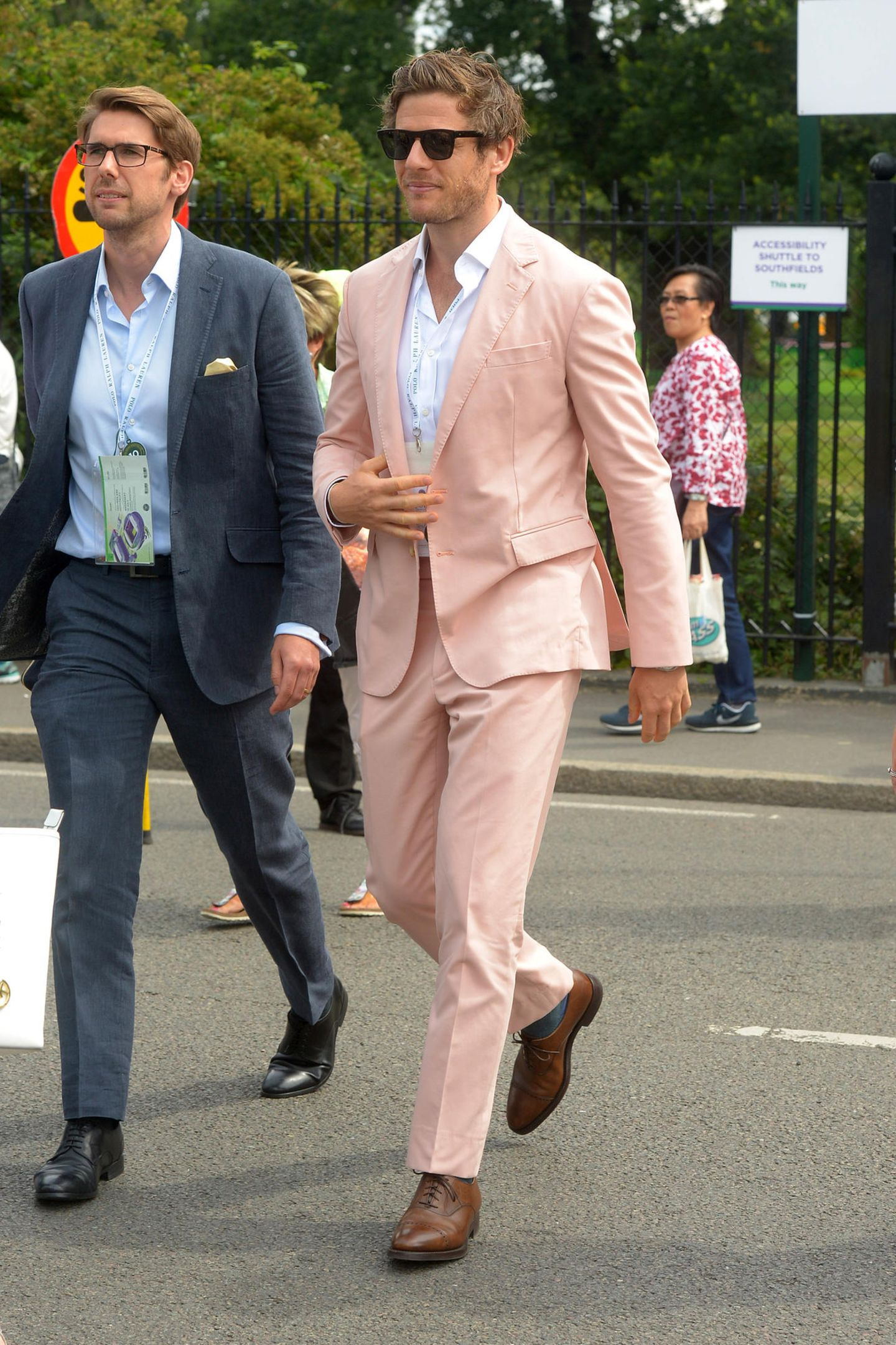 11. Juli 2019  James Norton hat sich für seinen Besuch des Tennisturnier ganz besonders schick gemacht.