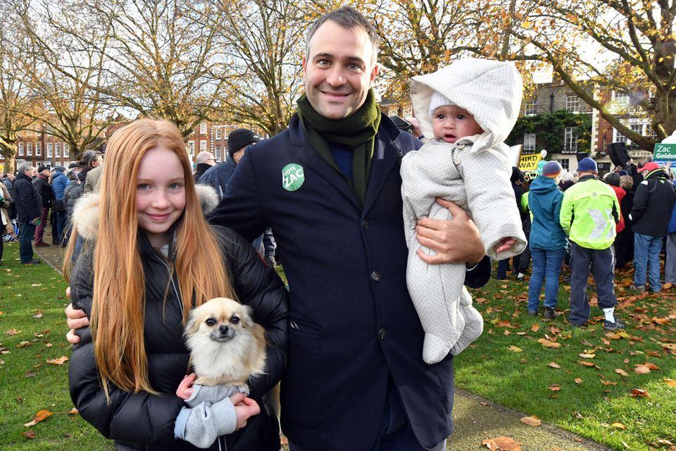 Ben Goldsmith mit seinen Töchtern Iris (links) und Eliza