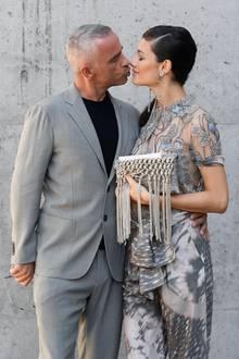 Schluss mit Kuss: Sie schienen so glücklich, doch nun ist alles aus.Eros Ramazzottigab am Sonntag (7. Juli) die Trennung von Noch-EhefrauMarica Pellegrinellibekannt. Damit ist auch leider auch Ehe Nummer zwei beendet.