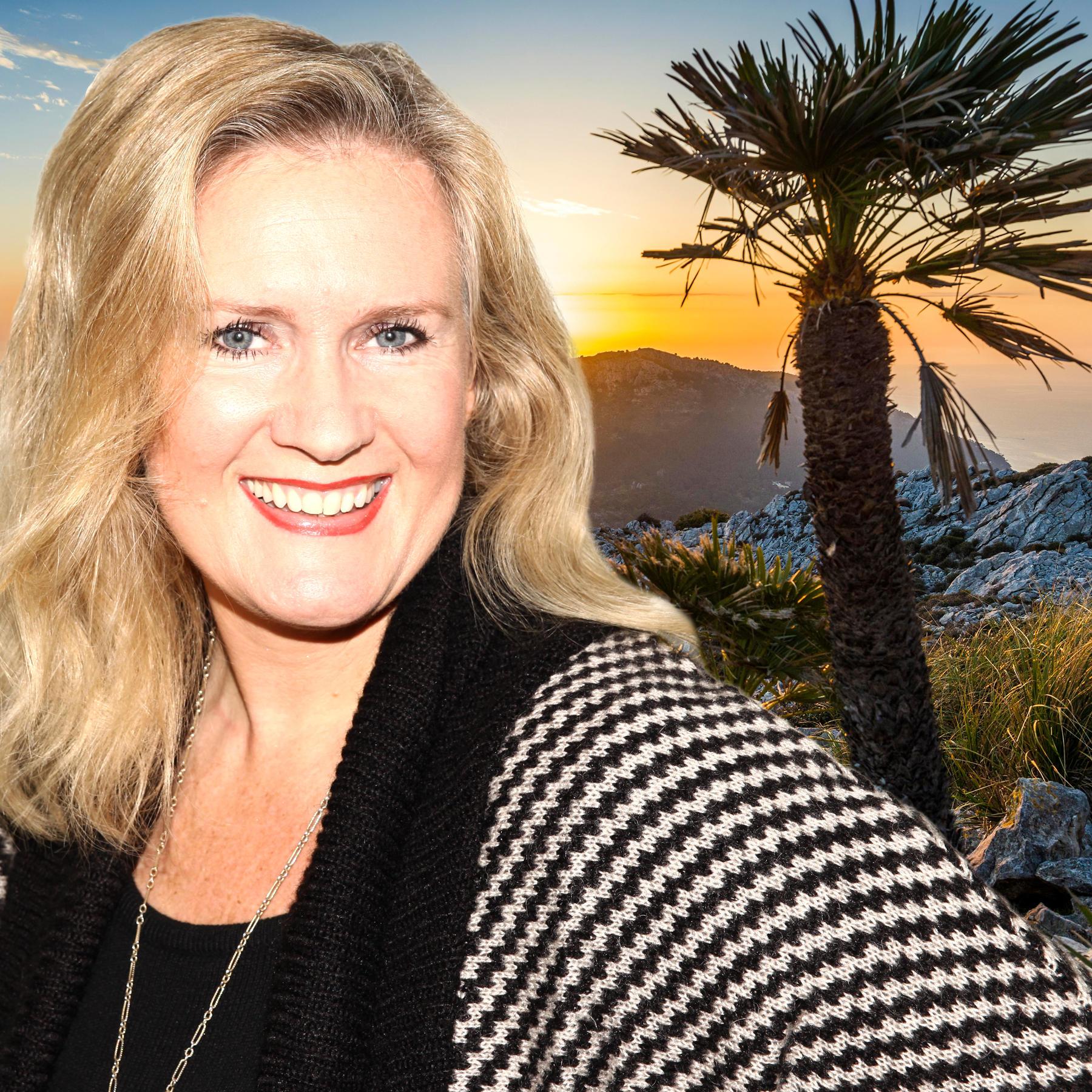 """GALA-Autorin Tatjana Detloff und ihr Podcast """"Stars auf Mallorca - der Sommer-Podcast von GALA"""""""