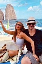 10. Juli 2019  La Dolce Vita! Sofia Vergara und Joe Manganiello leben im Italien-Urlaub das süße Leben, und genießen ihre sonnige Zeit unter anderem beim Chillen auf einer Jacht.
