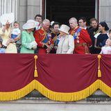 In der Kutsche saßen sie noch dicht beisammen. Doch auf dem Balkon des Buckingham Palace werden Herzogin Catherine und Herzogin Meghan voneinander getrennt. Alle haben ihren ganz eigenen Platz während der Zeremonie.