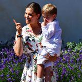 Happy Birthday, Prinzessin Victoria! Die schwedische Kronprinzessin feiert ihren 42. Geburtstag und zeigt sich am Victoriatag auf Schloss Solliden in einem Outfit, das absolut zu ihr passt ...