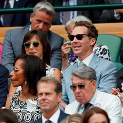 14. Juli 2019  Tom Hiddleston, Sophie Hunter und Benedict Cumberbatch verfolgen das packende Match mit Spannung.