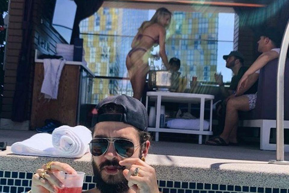 Tom Kaulitz - doch wer ist die Blondine im Hintergrund?