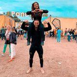 """13. Juli 2019  Ihr erstes Mal: Jenny Frankhauser besucht mit ihrem FreundHakan Akbulut dasPanama Open Air Festival. Auf Instagram schreibt sie zu diesem Pärchenschnappschuss: """"Festival mit meinem Löwen. Wart ihr schon mal auf einem Festival? Bei mir ist es das erste Mal und ich finde es echt cool""""."""