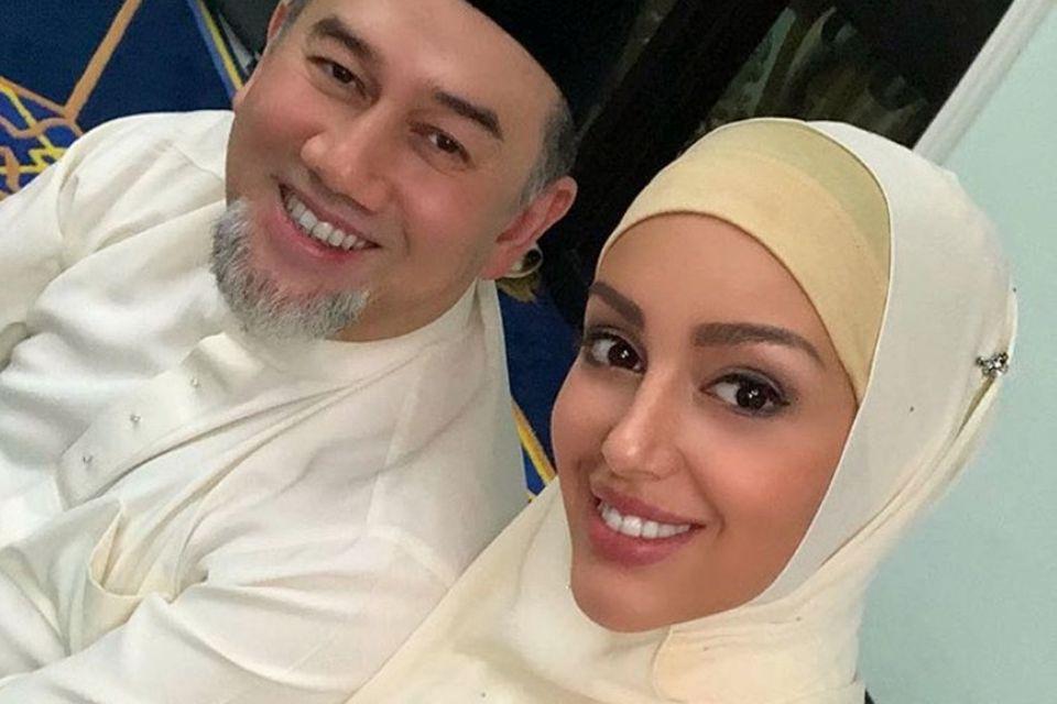 Sultan Muhammad V. und Oksana Voevodina
