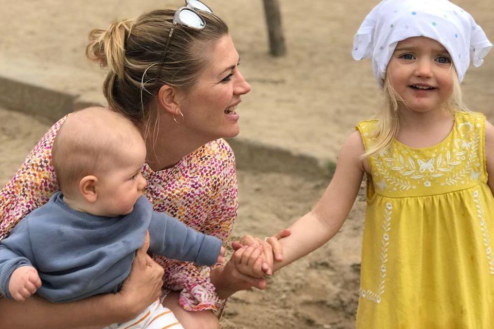 Nina Bott und zwei ihrer Kinder.
