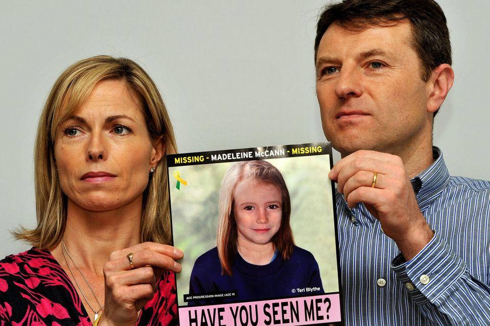 Kate und Gerry McCann mit einem Foto von Madeleine, genannt Maddie