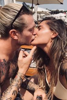 30. Mai 2019  Im Gegensatz zu Sophia Thomalla hält sich der Torwart mit Liebes-Postings zurück. Dieses hier hat er dann doch nicht zurückhalten können.