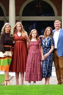 Die niederländische Königsfamilie (v.l.n.r.): Königin Máxima, Prinzessin Catharina-Amalia, Prinzessin Ariane, Prinzessin Alexia und König Willem-Alexander