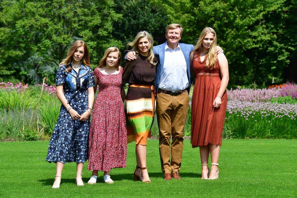 Die niederländischen Royals (v.l.n.r.): Prinzessin Alexia, Prinzessin Ariana, Königin Máxima, König Willem-Alexander, Prinzessin Catharina-Amalia