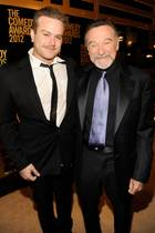 "Zachary ""Zak"" Williams und Robin Williams (†)"