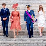 Die Laune von König Philipe, Königin Mathilde und ihren vier Kindern ist hervorragend.