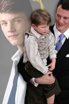 Auf Papas Arm passt derPrinz heute nicht mehr! Felix von Dänemark feiert seinen 17. Geburtstag