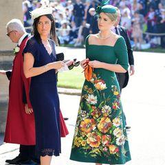 Als Prinz Harry und Meghan Markle im Mai 2018 heiraten, gehört Kitty Spencer zu den Gästen, die einen exklusivenPlatz in derSt George's Chapel haben. Verwunderlich ist das allerdings nicht. Kitty ist nun einmal die Cousine von Harry.