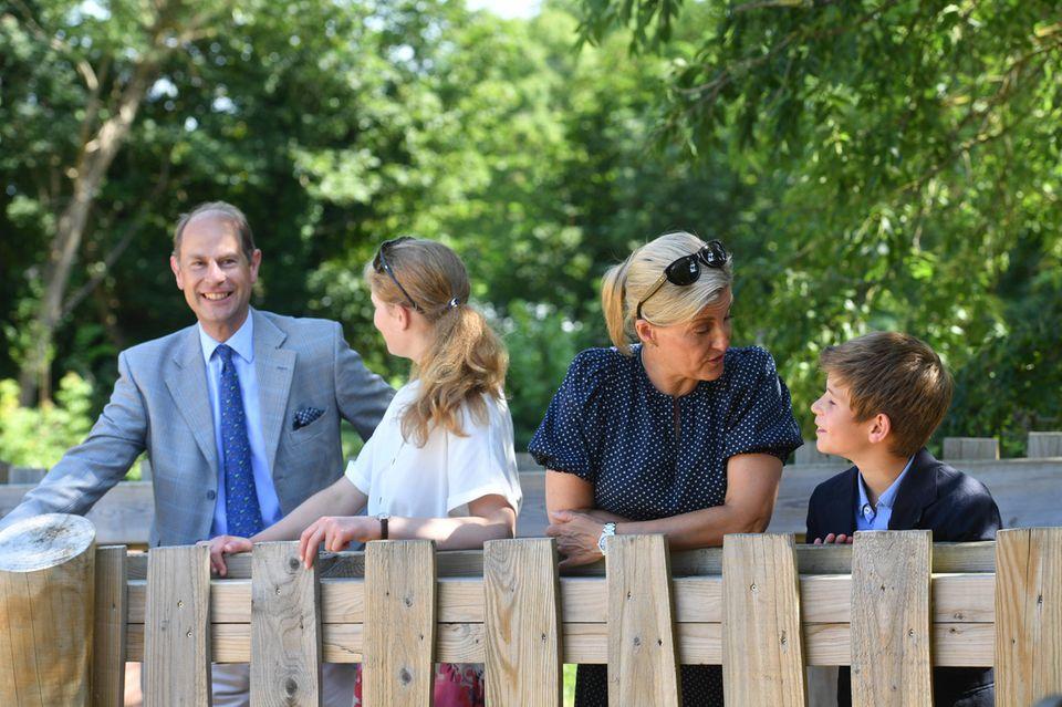 Prinz Edward, Lady Louise, Gräfin Sophie und James, Viscount von Severn