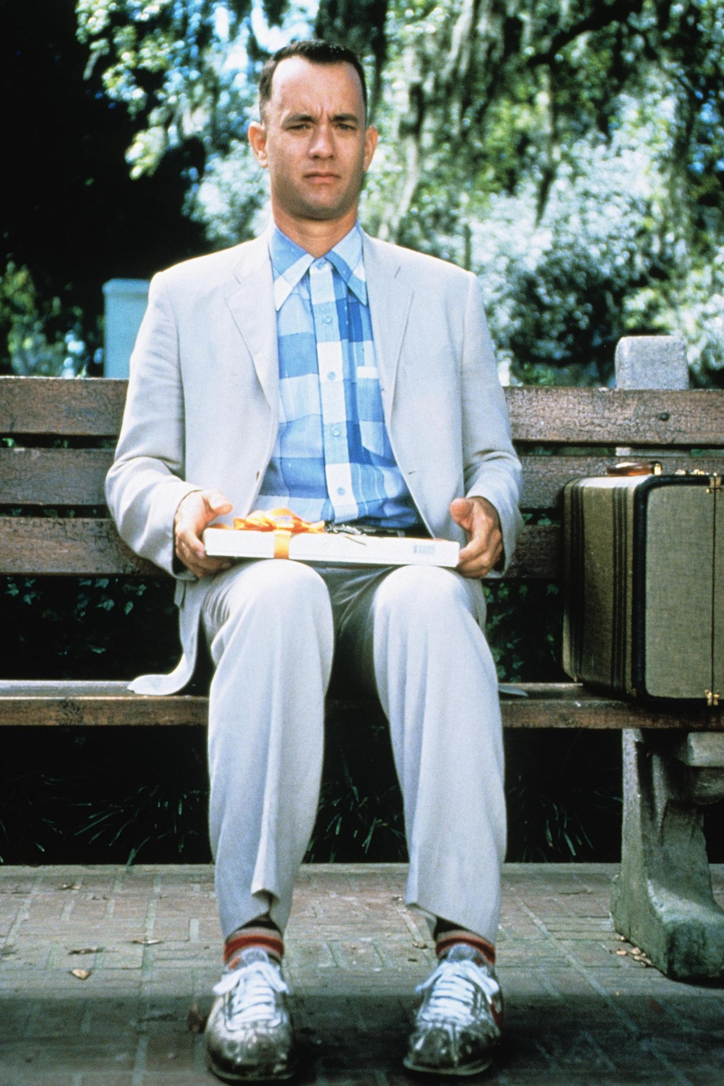 """""""Das Leben ist wie eine Schachtel Pralinen - man weiß nie, was man bekommt"""": Tom Hanks erhält 1995 für seine Darstellung des erwachsenenForrest Gump den Oscar als bester Hauptdarsteller."""