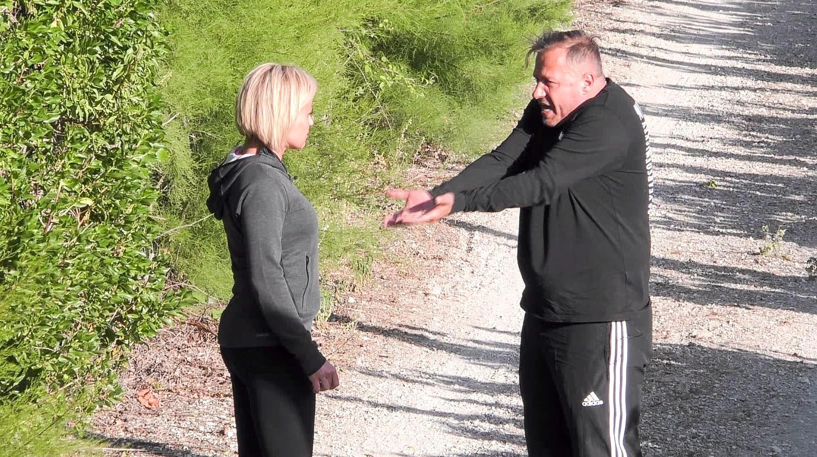 """Willi Herren kriegt im """"Sommerhaus der Stars"""" neben Frau Jasmin schlechte Laune"""