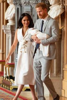 Archie Mountbatten-Windsor, Herzogin Meghan + Prinz Harry